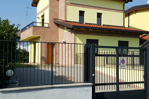Trezzano sul Naviglio Villa singola20160323_145652_resized